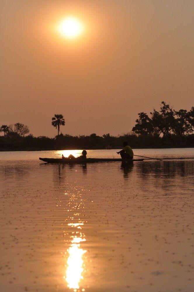 BOTSWC_031010_4ESW_08_Okavango_Delta_Fahrt_mit_Mokoros_.jpg
