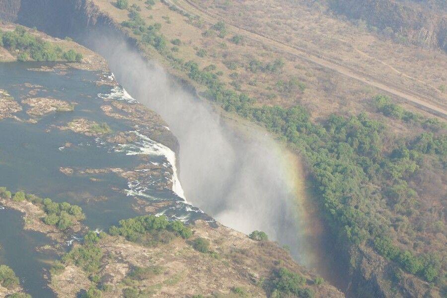 Sambia, Flug mit dem Helikopter über die Victoriafälle