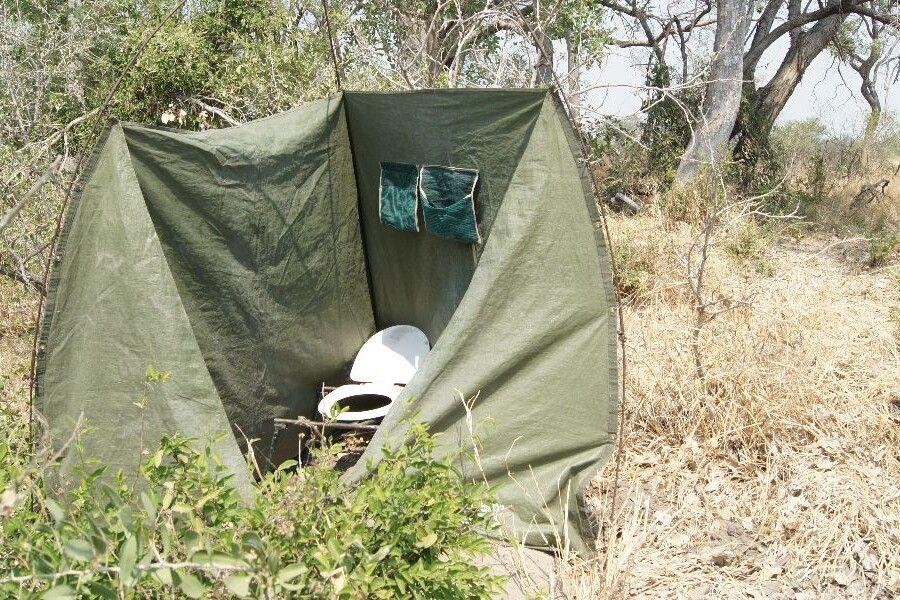 Buschtoilette im Okavango-Delta