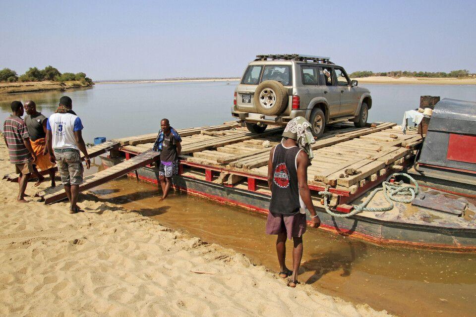 Flussüberquerung per Fähre