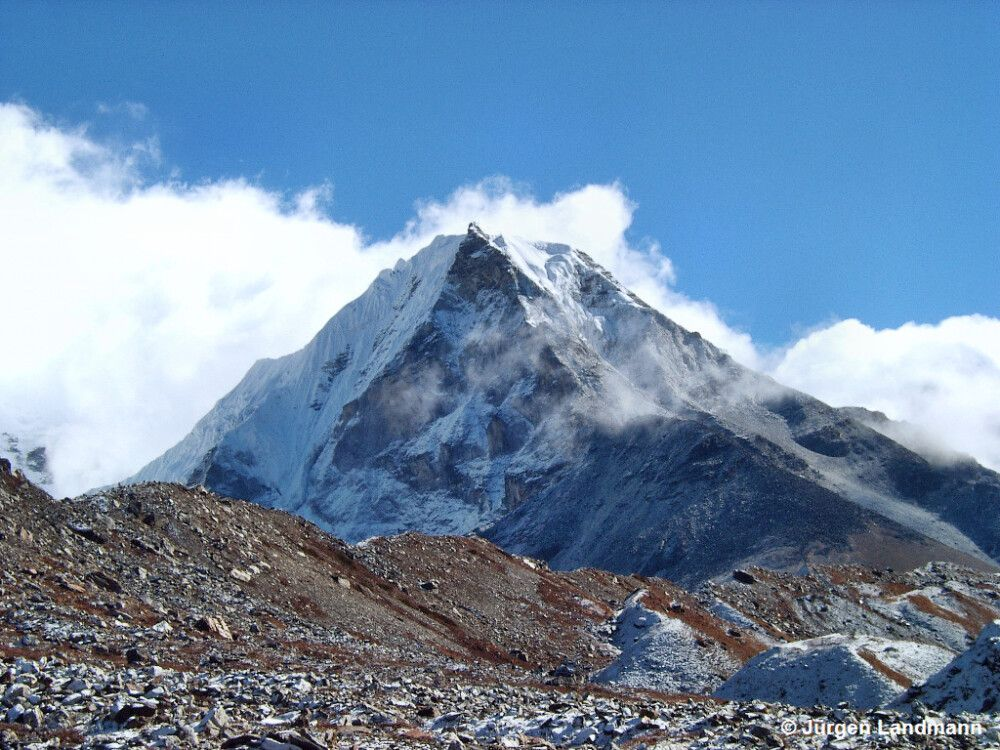 Island Peak (6189m)