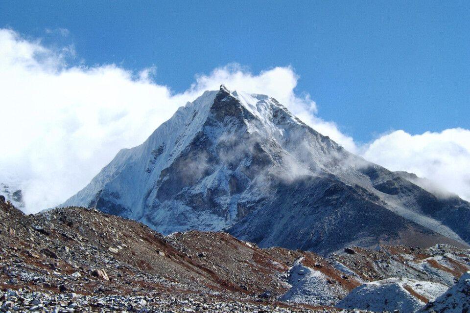 Island Peak (6189 m)