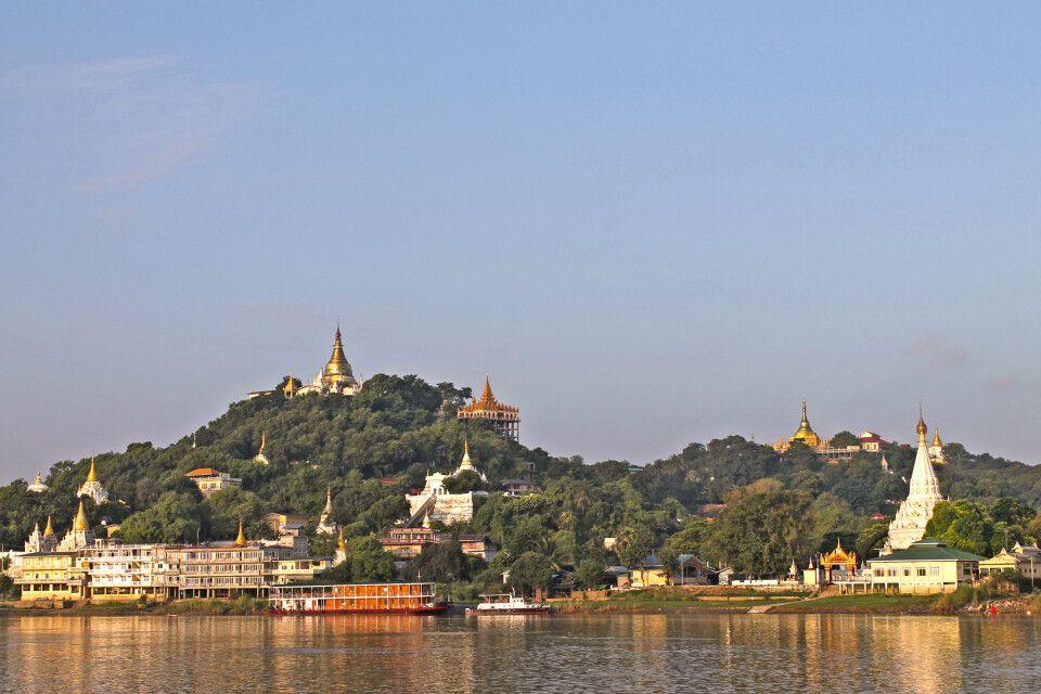 Blick auf das Ufer des mächtigen Irrawaddy