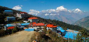 Die Dhaulagiri-Bergkulisse von Ghorepani
