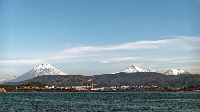 Vulkane von der Awatscha-Bucht © Diamir
