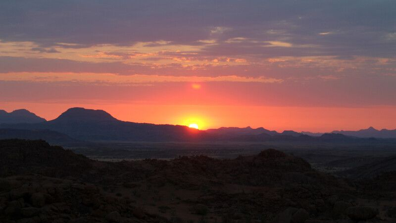 Sonnenuntergang in Namibia © Diamir