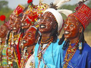 traditionelle Gesichtsbemalung zum Gerewol-Festival im Tschad