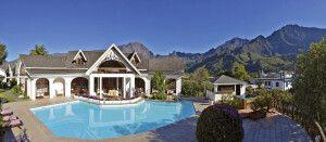 Cilaos - Hotel Le Vieux Cep - Poolbereich und Restaurant