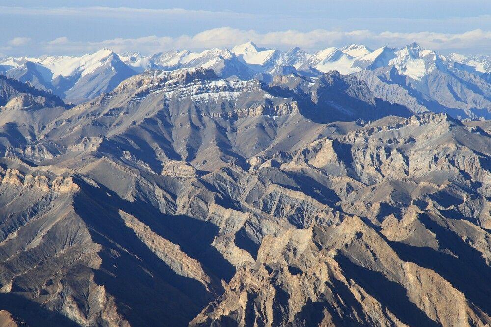 Das grandiose Gipfelpanorama vom Stok Kangri aus lässt keine Wünsche offen…