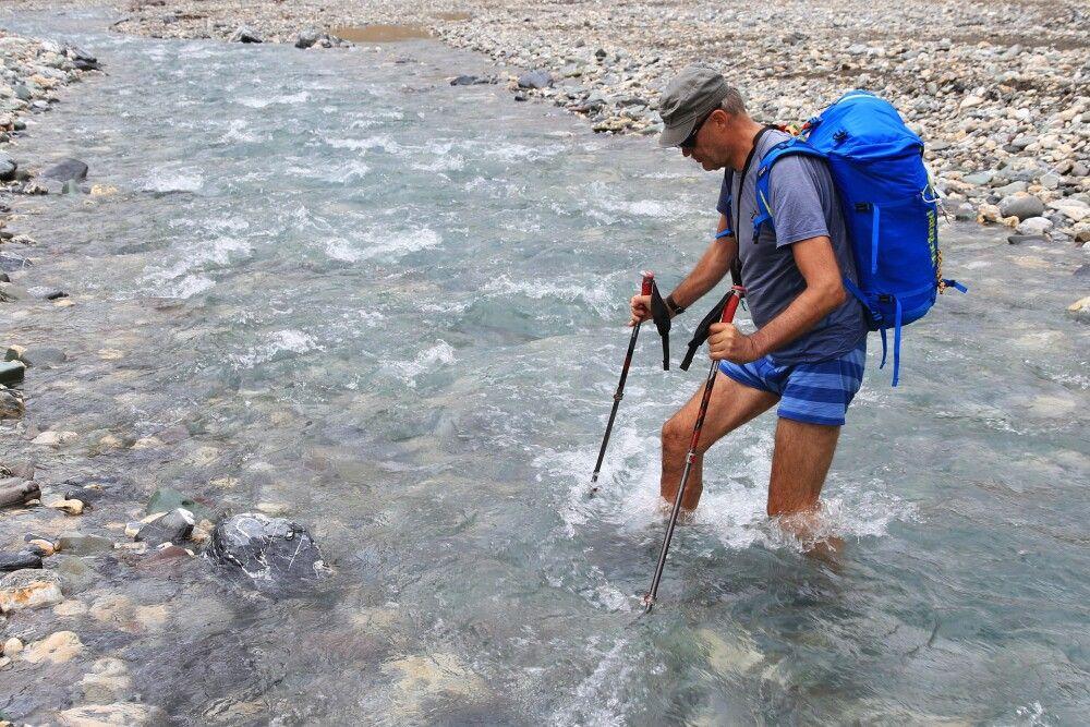 Diese Flussdurchquerung gehört zum Pflichtprogramm des Markha Valley-Treks.