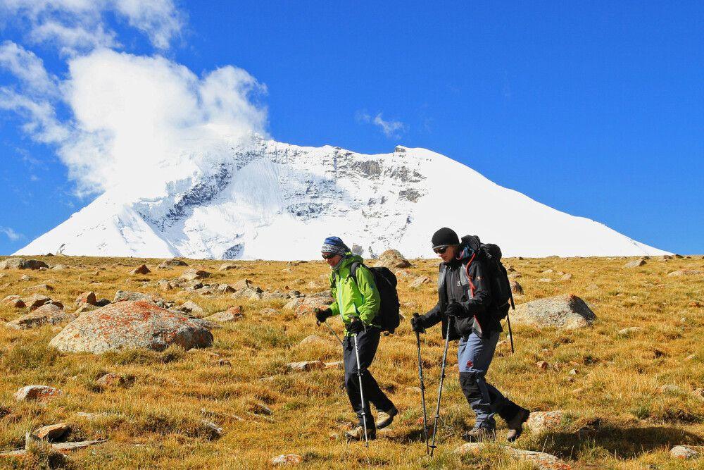 Die Trekkingtour geht weiter – unterwegs vom Kang-Yatze-Basecamp zum BC am Dzo Jongo