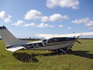 Im Buschflugzeug unterwegs auf Fly in Safari