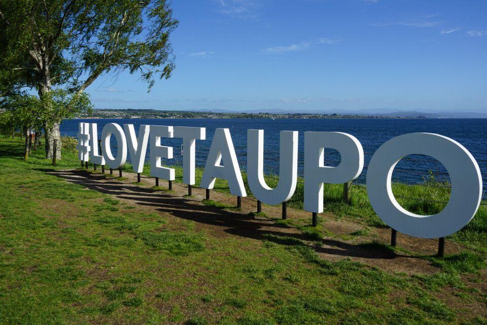 Der Lake Taupo ist ein Kratersee und der größte des Landes.