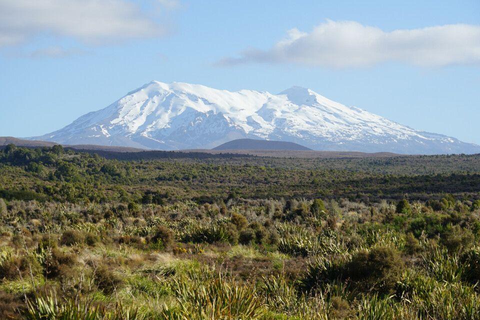 Tolle Landschaften entlang der höchsten Berge der Nordinsel – hier im Bild der Mt. Ruapehu mit seinen 2797 Metern.