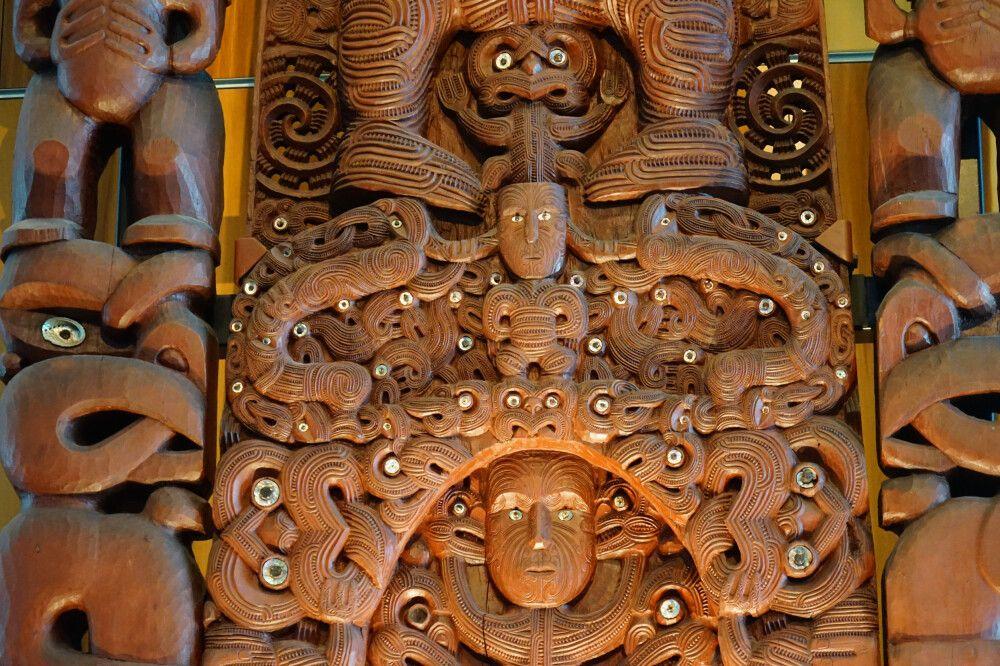 Die Maori-Kultur ist allgegenwärtig und im tollen Nationalmuseum Te Papa bekommt man einen tiefen Einblick in die Kultur der Volksgruppe.