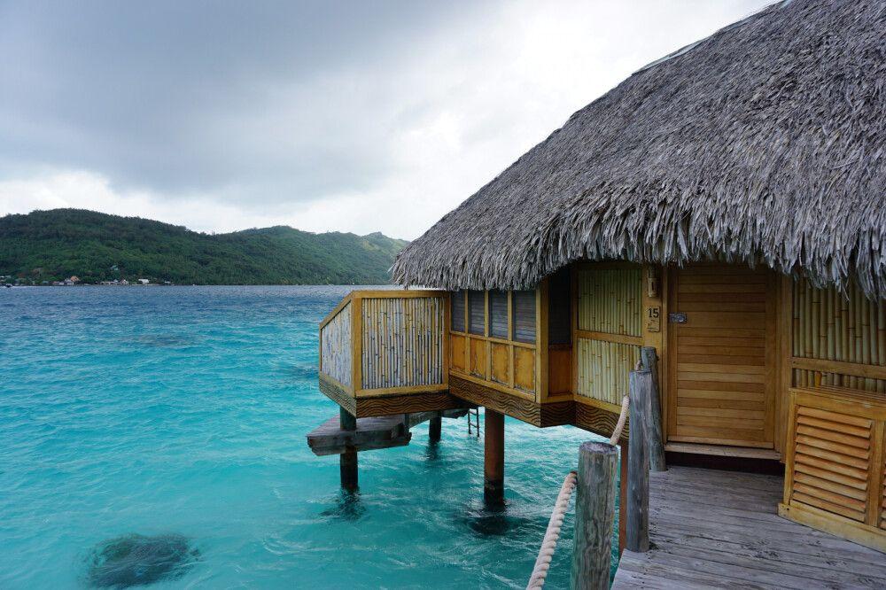 Overwaterbungalow auf Bora Bora (Pearl Beach Resort)