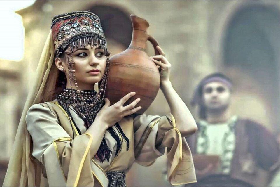 Armenische Tracht