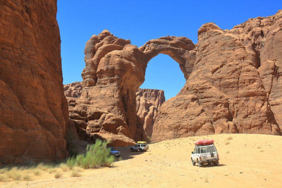Arch D'Aloba - mit 120 m Höhe einer der größten natürlichen Felsbögen der Welt