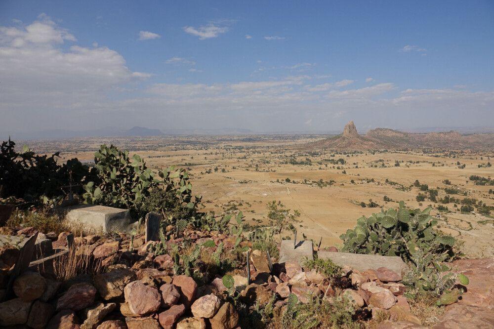 Landschaft – Blick von der Felsenkirche Abuna Abraham