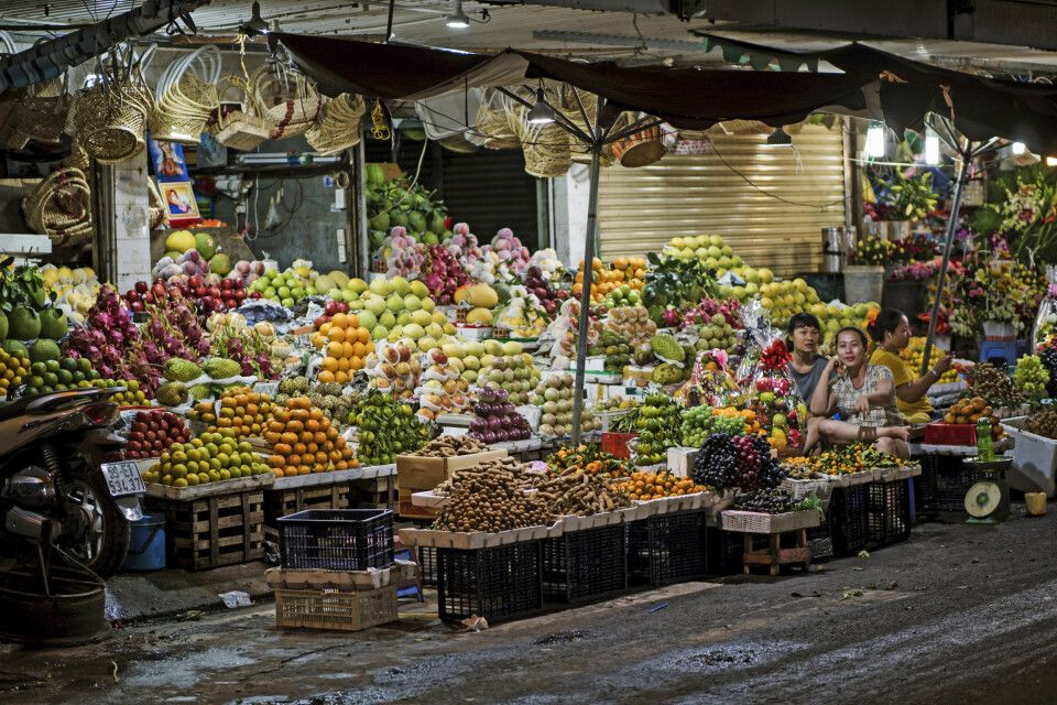 überreicher Obst- und Gemüsestand