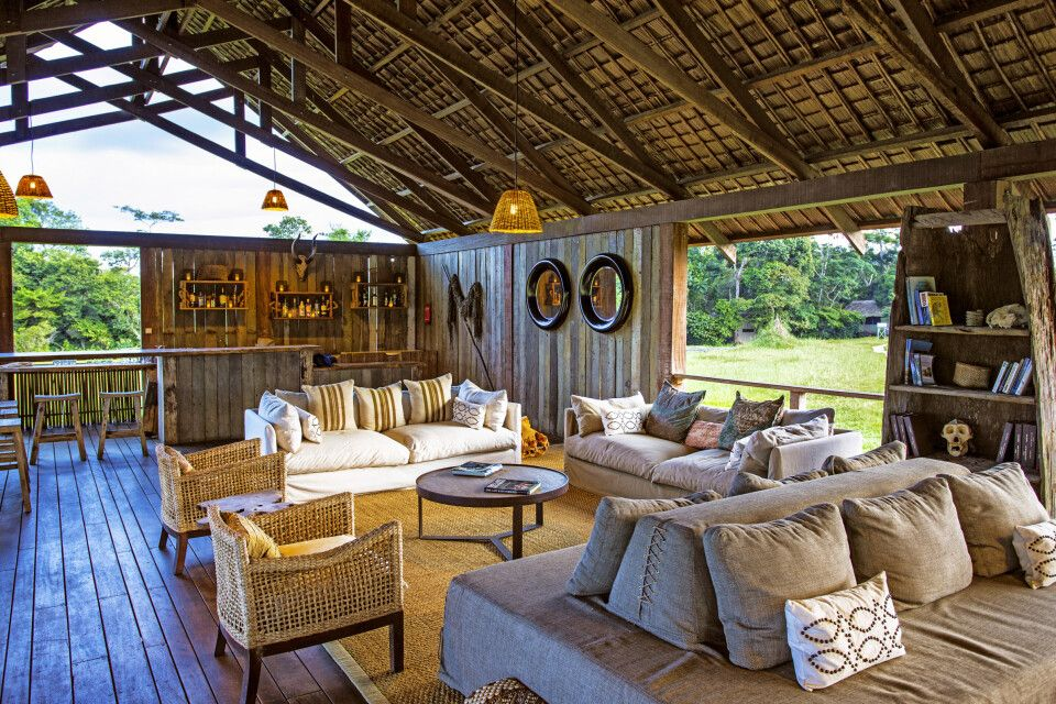Mboko Camp, Lounge