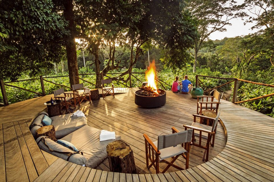 Feuerstelle im Ngaga Camp, Odzala-Kokoua-Nationalpark