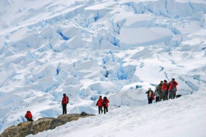 Anlandung direkt an einer riesigen Gletscherzunge
