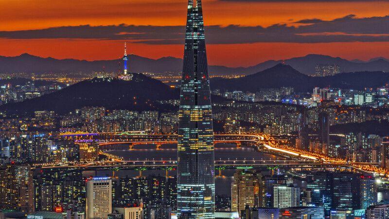 Lotte World Tower in Seoul © Diamir