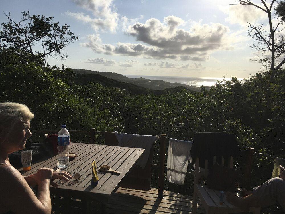 Zeltunterkunft im Dünenwald mit Blick auf den Strand von Zavora, Dunes de Dovela Eco-Lodge