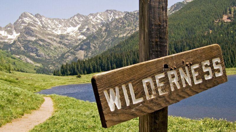 Wanderweg in die Wildnis am Piney Lake, nördlich von Vail, Colorado © Diamir