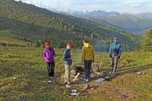 Gruppe am idyllischen Camp Tukhman