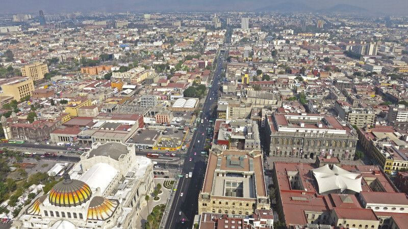 Blick aus der Vogelperspektive auf die Metropole Mexiko-Stadt © Diamir