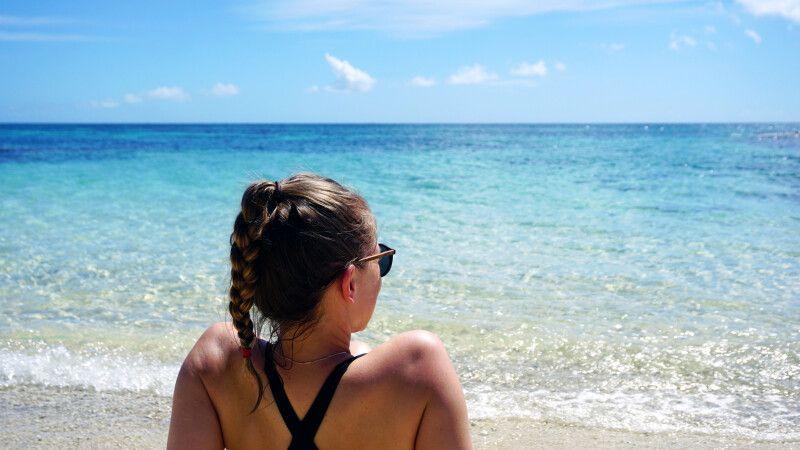 Entspannung am Strand in der Südsee © Diamir