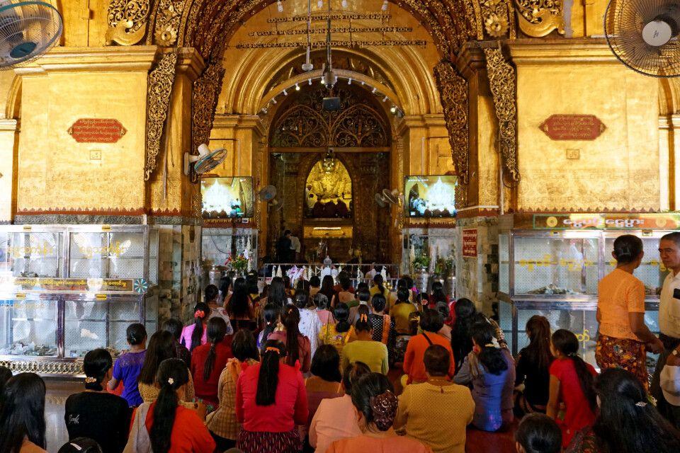 Burmas heiligste Pagode – die des Mahamuni-Buddhas in Mandalay