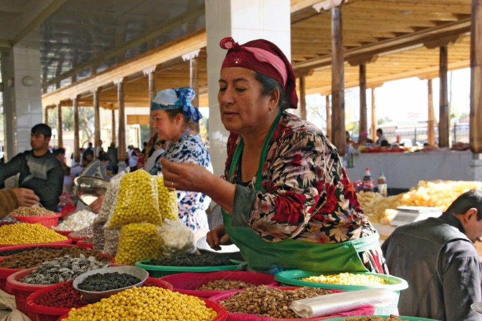 Buntes Markttreiben in Samarkand