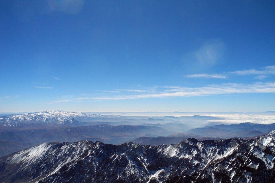 Herrliches Gipfelpanorama vom Jebel Toubkal.