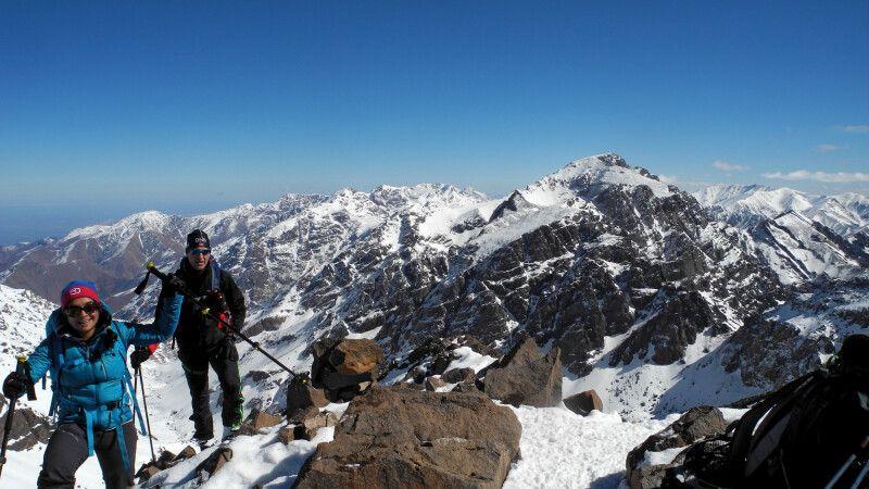 Geschafft! Der Gipfel des Akioud ist erreicht! © Diamir