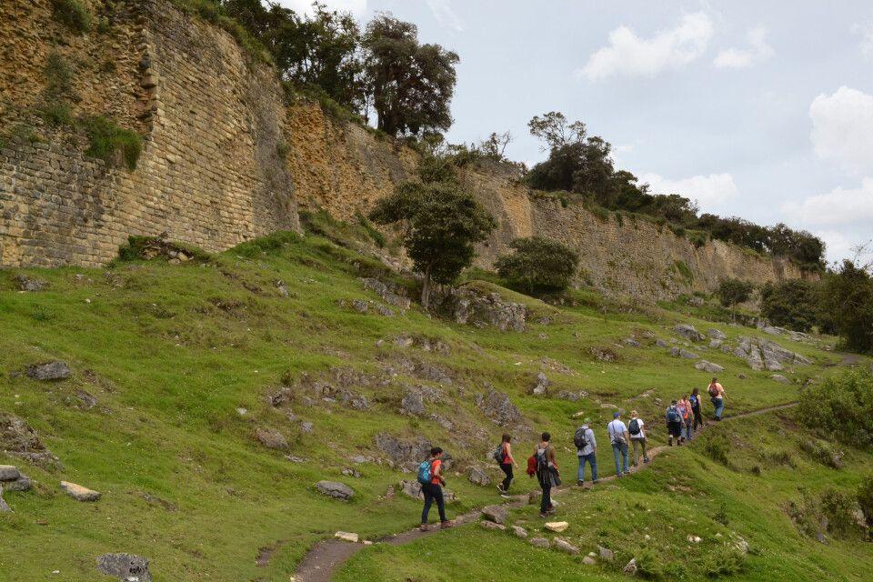 Aufstieg zur Festung Kuelap