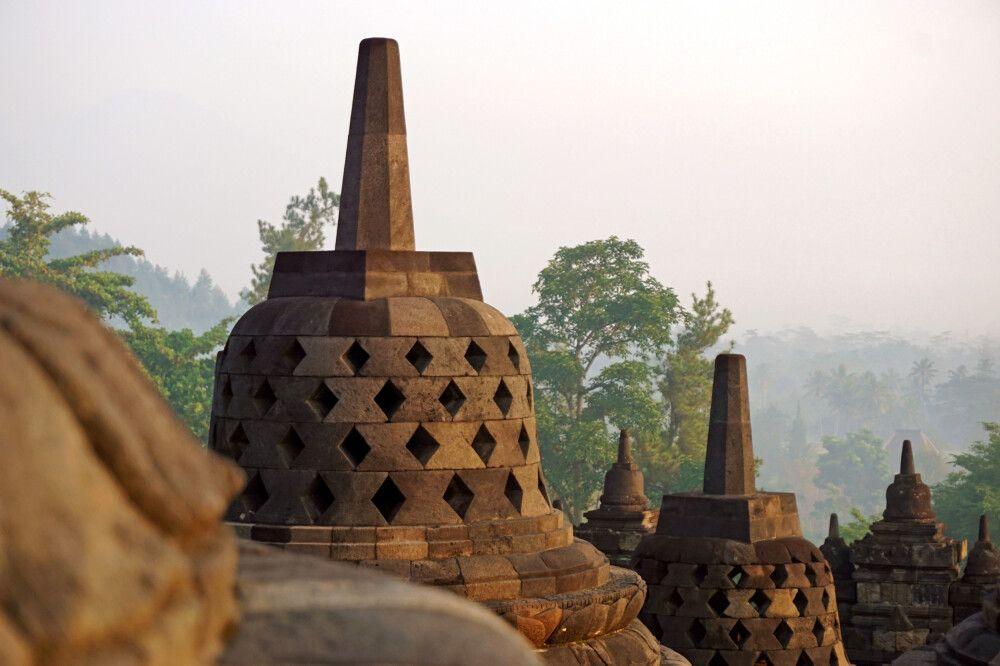 Mystische Stimmung am Borobudur