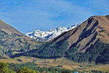 Landschaft in Cochabamba mit Blick auf das Berghotel Carolina