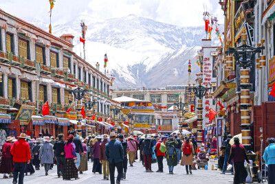Pilger auf dem Barkhor in Lhasa