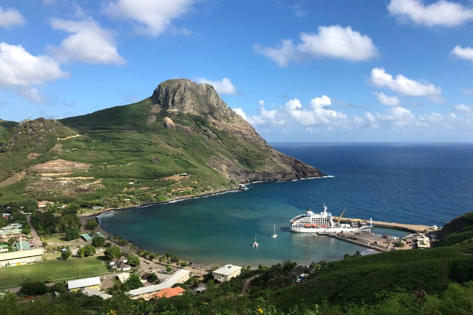 Die Aranui liegt im Hafen