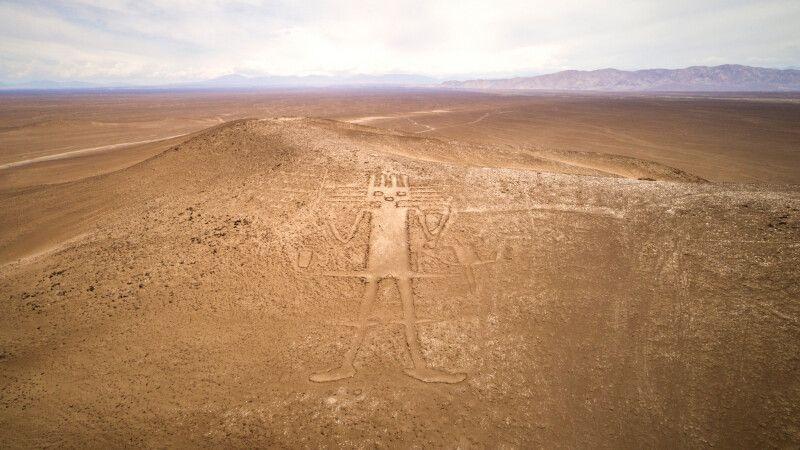 Geoglyphen: Der Riese der Atacama © Diamir