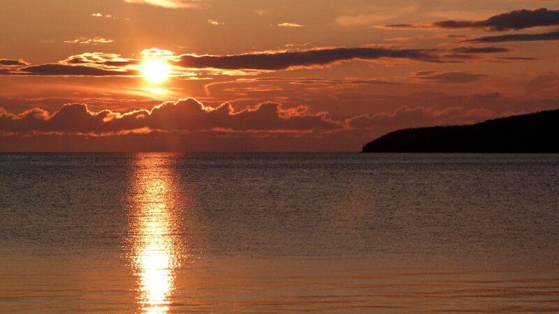 Baikalsee bei Sonnenuntergang © Diamir