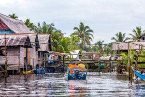 Bootsfahrt auf dem Tellian Fluss