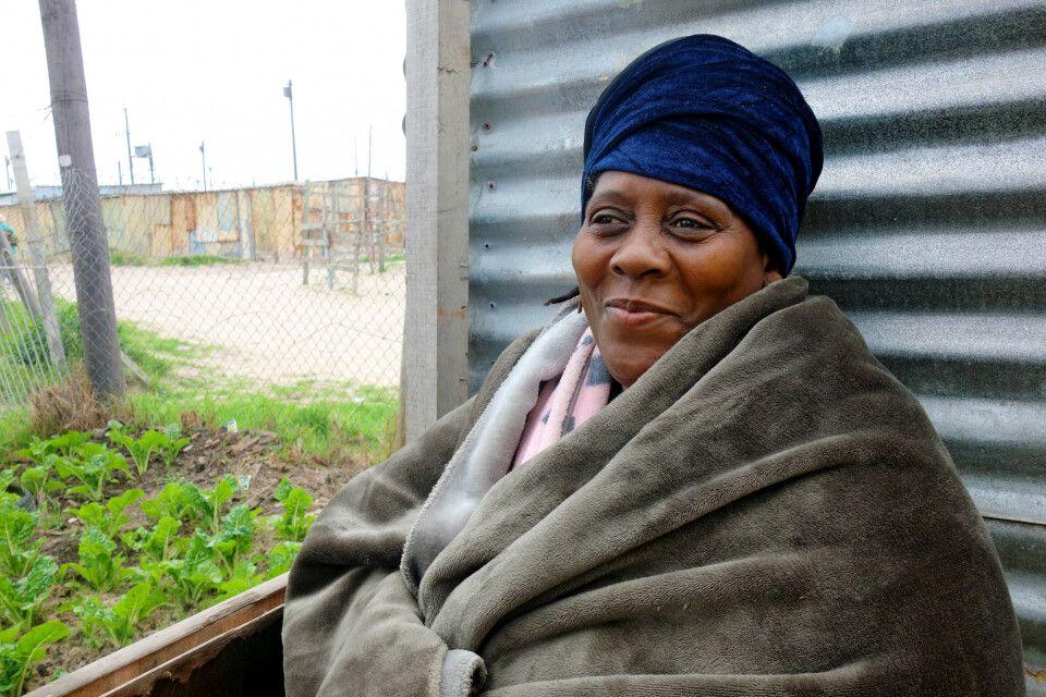 Südafrika – Frau in Kapstadt Khayelitsha