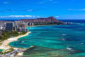 Waikiki Beach mit Diamond Head im Hintergrund