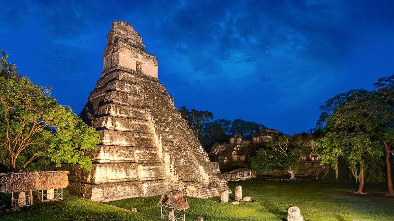 Tempel Gran Jaguar in Tikal (UNESCO) © Diamir