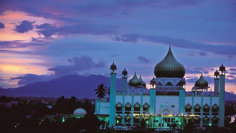 Moschee in Kuching, Hauptstadt des malaysischen Bundesstaates Sarawak © Diamir