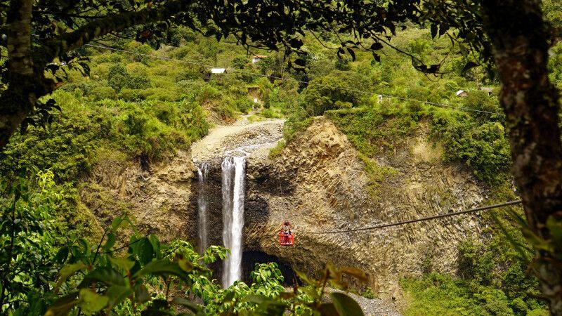 Wasserfall in Ecuador © Diamir